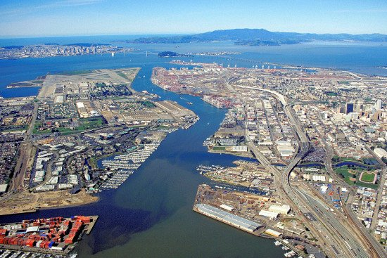 Port of Oakland container volume down in January